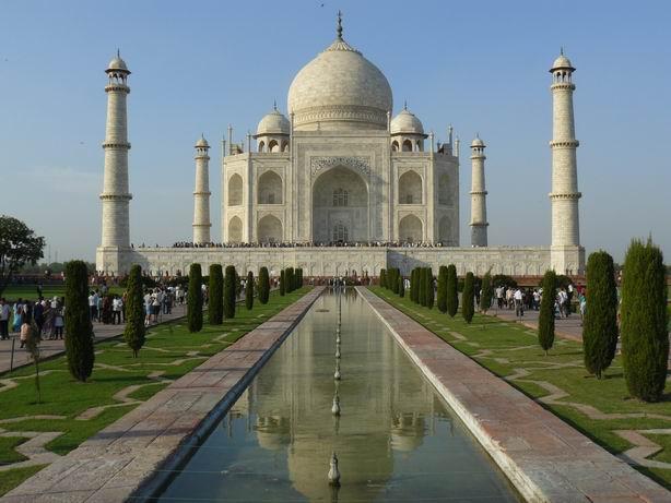 Taj Mahal, sin turistas en la foto tras un buen rato esperando