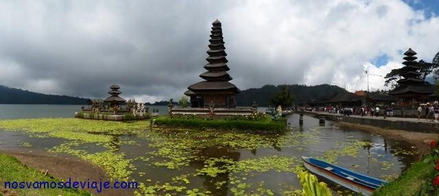 Pura Ulun, en el lago Bratan