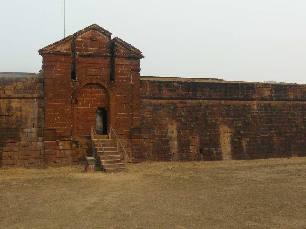Entrada actual al Fuerte Principe de Beira