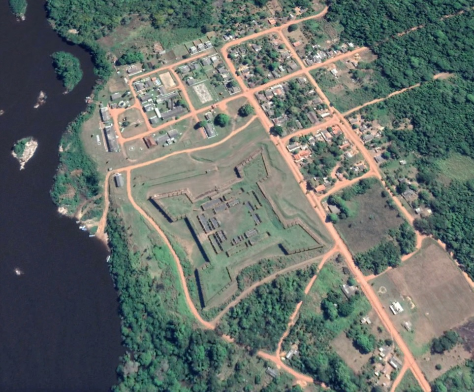 Vista de Google Earth del Fuerte Principe de Beira con su forma de estrella