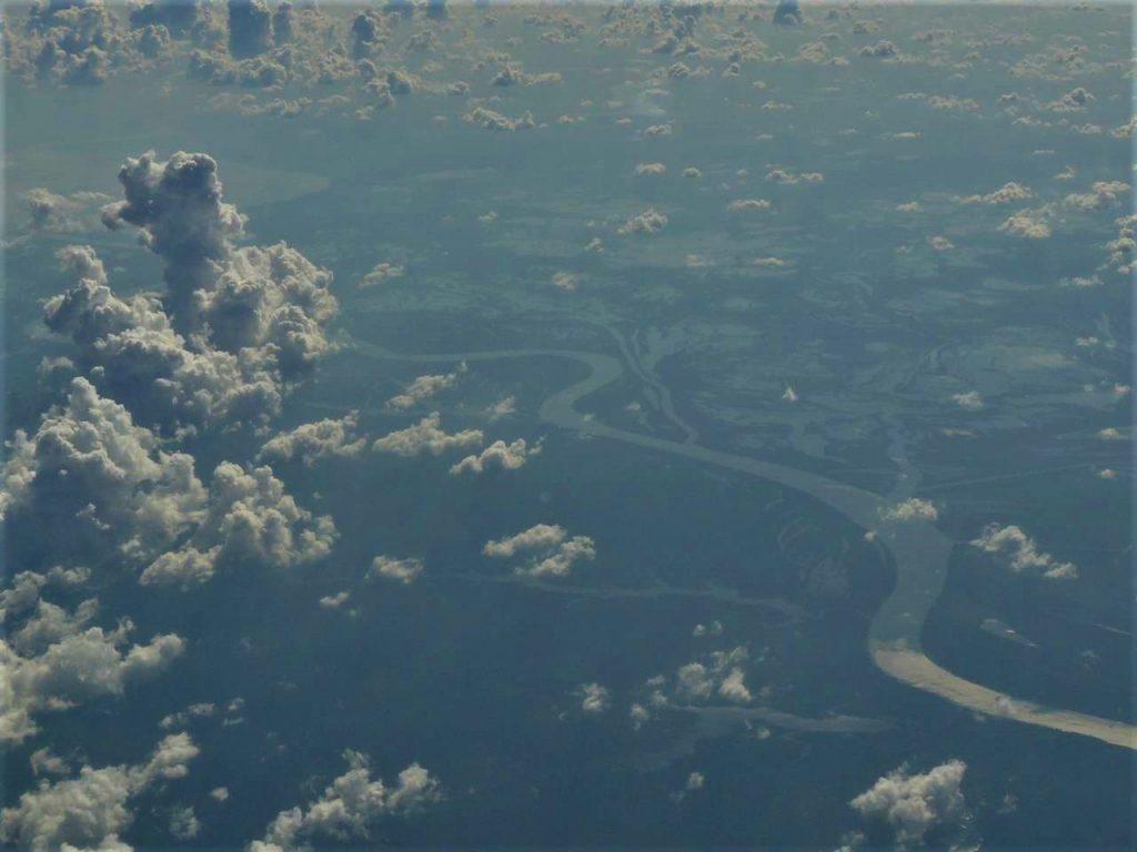 Sobrevolando el Amazonas